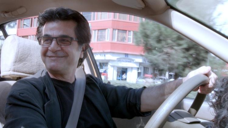 jafar-panahi-taxi-three