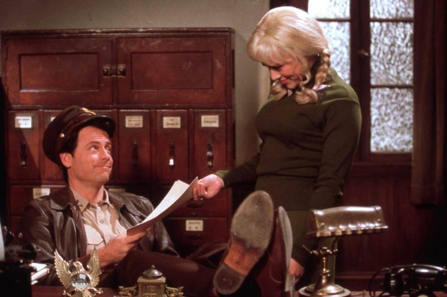 Greg Kinnear as Bob CraneMaria Bello as Patricia Crane